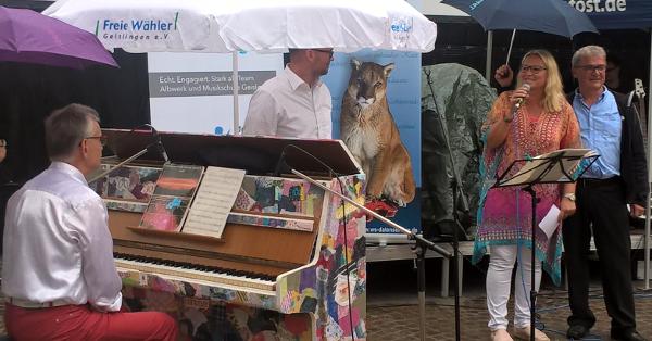 Einweihung der Klavier-Aktion für die FUZO Geislingen der Freien Wähler